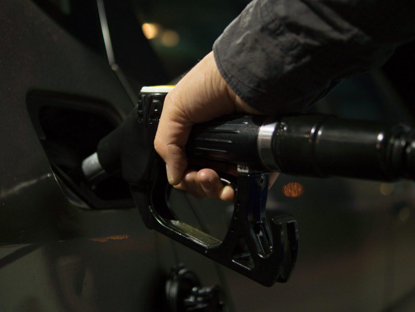 บทความ วิธีช่วยประหยัดน้ำมัน (การขับขี่รถยนต์)